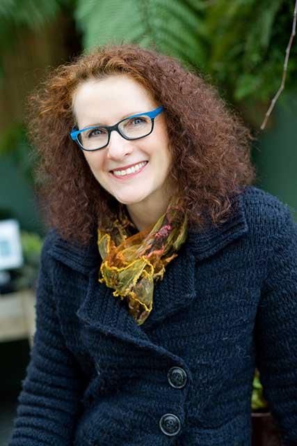 Lucinda O'Halloran headshot